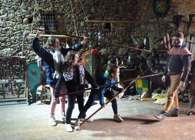 Les élèves de 5èmes en visite au Château Saint Mesmin
